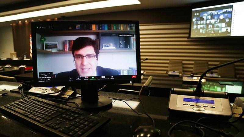 João Renda Leal Fernandes apontou, na videoconferência da Fiesp, a diferente constituição do Estado brasileiro e norte-americano que levou a uma legislação específica diante da realidade nacional