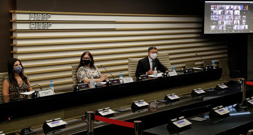 Para Armando Castelar Pinheiro, da Fundação Getúlio Vargas, a retomada de postos de trabalho dependerá dos rumos da economia e do avanço da vacinação