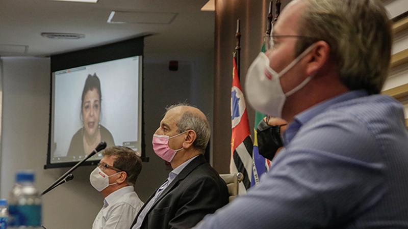 Encontro teve a participação do Dr. José Medina, Alexandre Pflug, Ricardo Terra e Luiza Helena Trajano