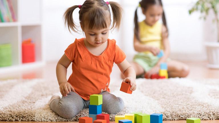 Qual o risco de as crianças da família adoecerem com a COVID-19?