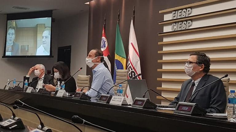 Skaf pede crédito para capital de giro em reunião online com Bruno Dalcolmo.