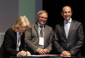 Marta Dassú, Gian Mario Spacca e Paulo Skaf assinam carta de intenções entre Brasil e Itália