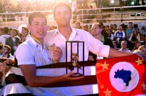 Luiz, à esquerda, e Bruno: desafio de vencer as equipes do Japão e da Coreia do Sul. Foto: Divulgação