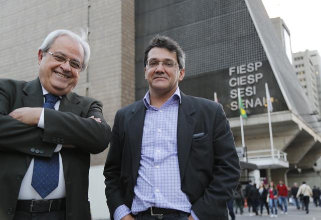 José Amaro, à esquerda, e Odair: memórias da época da mudança para o prédio da Paulista. Foto: Julia Moraes/Fiesp