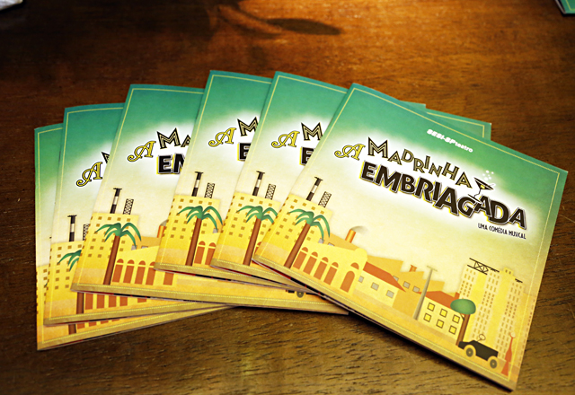 """O catálogo de """"A Madrinha Embriada"""" traz informações completas sobre o musical. Foto: Julia Moraes/Fiesp"""