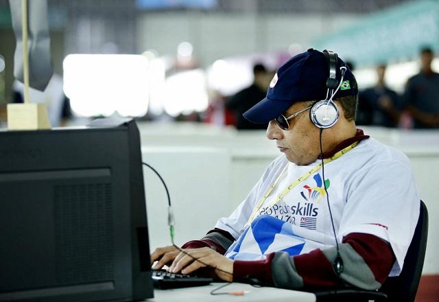 """Luiz: pai de quatro filhos e capacidade de """"fazer muitas coisas"""". Foto: Everton Amaro/Fiesp"""