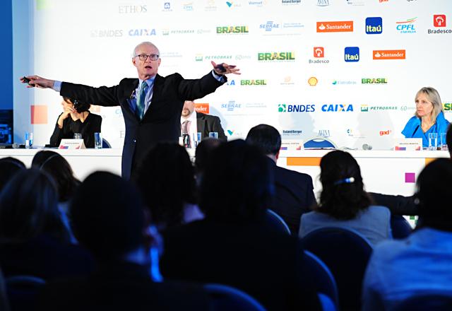 Porter: transformar crescimento econômico em progresso social. Foto: Divulgação