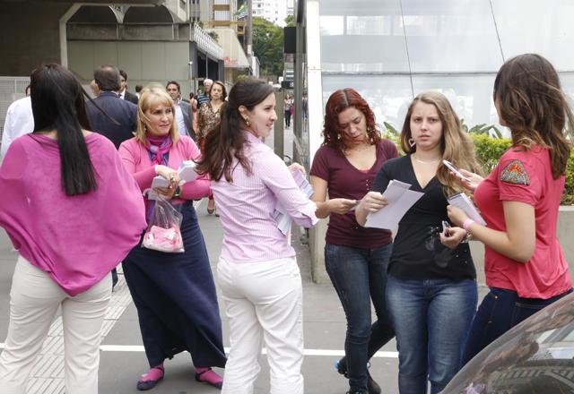 A campanha de prevenção ao câncer de mama da Fiesp na Avenida Paulista. Foto: Beto Moussalli/Fiesp