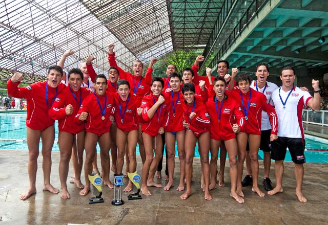 Time do polo aquático sub 15 do Sesi-SP: temporada de vitórias. Foto: Divulgação