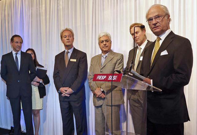 O rei da Suécia, à direita, em cerimônia com Paulo Skaf e demais autoridades: ideias que vão ecoar para sempre. Foto: Ayrton Vignola/Fiesp
