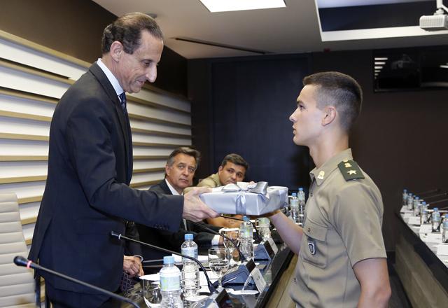 Paulo Skaf durante a homenagem aos cadetes em cerimônia na Fiesp. Foto: Everton Amaro/Fiesp