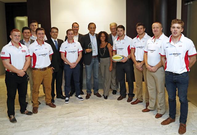 Skaf, ao centro, com os técnicos de rugby e convidados recebidos nesta quarta-feira (22/01). Foto: Ayrton Vignola/Fiesp