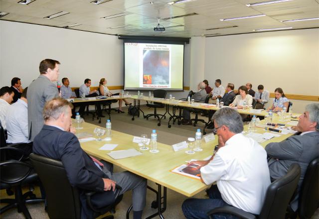 A reunião do Grupo de Trabalho nesta quinta-feira (30/01): demanda urgente. Foto: Tâmna Waqued/Fiesp