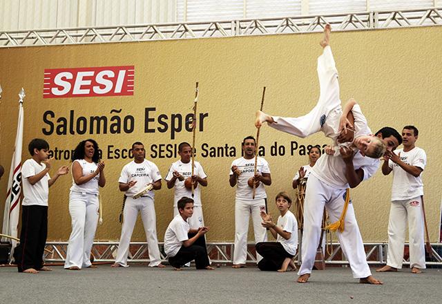 Roda de capoeira durante a solenidade em Santa Rita do Passa Quatro: novidade. Foto: Ayrton Vignola/Fiesp