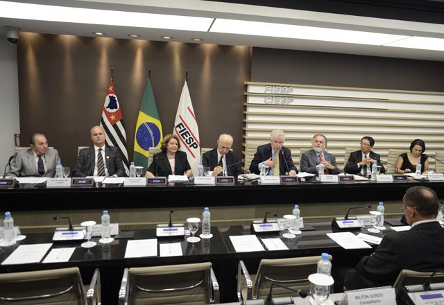 A reunião do Conjur: debates sobre eventuais falhas das legislações em evidência. Foto: Helcio Nagamine/Fiesp