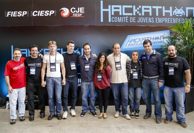 A equipe vencedora do Hackathon na área de Saúde: foco na solidariedade. Foto: Tâmna Waqued/Fiesp