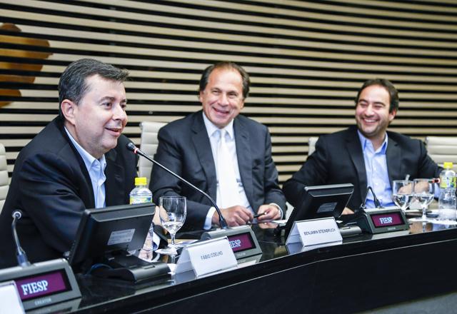A partir da esquerda, Coelho, Steinbruch e Gomide: empreendedorismo em debate. Foto: Tâmna Waqued/Fiesp