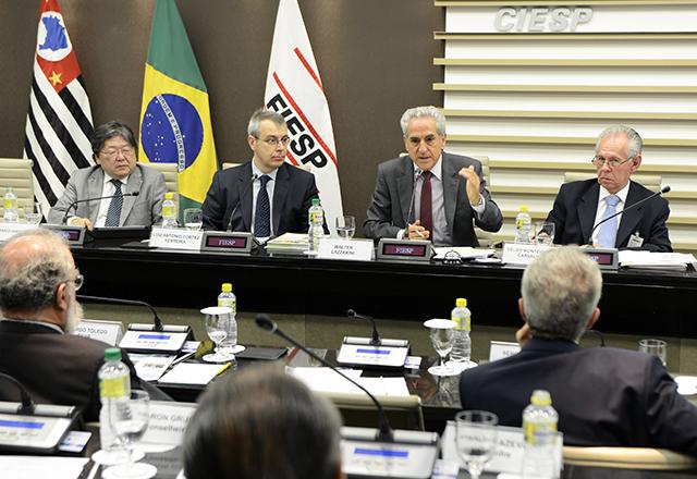 A reunião do Cosema: debate envolveu ainda a renovação da frota e a promoção do uso do etanol. Foto: Helcio Nagamine/Fiesp