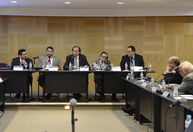 Os debatedores do primeiro painel do Fórum na FGV-SP: produtividade e reforma tributária. Foto: Helcio Nagamine/Fiesp