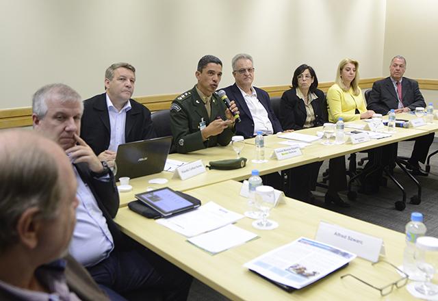 Reunião do Departamento de Meio Ambiente da Fiesp com representante do 12o Grupamento de Artilharia de Jundiaí. Foto: Helcio Nagamine/Fiesp