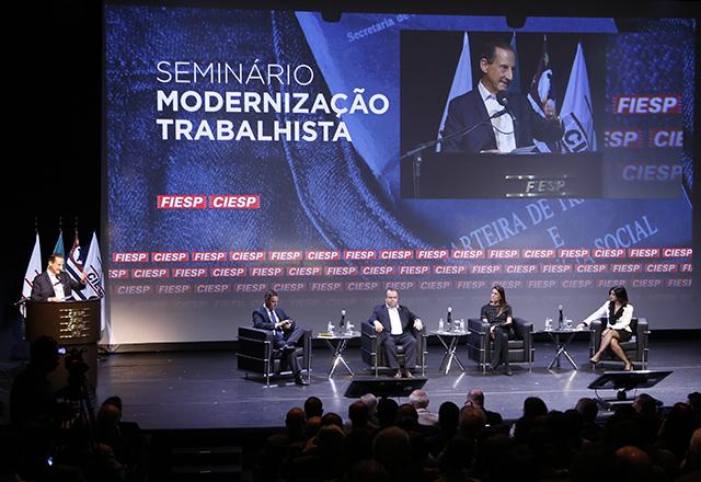 Paulo Skaf na abertura do seminário Modernização Trabalhista, promovido por Fiesp e Ciesp. Foto: Helcio Nagamine/Fiesp