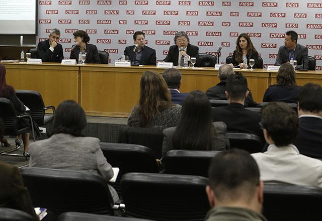 Reunião sobre a plataforma AdaptaClima na Fiesp. Foto: Everton Amaro/FIesp