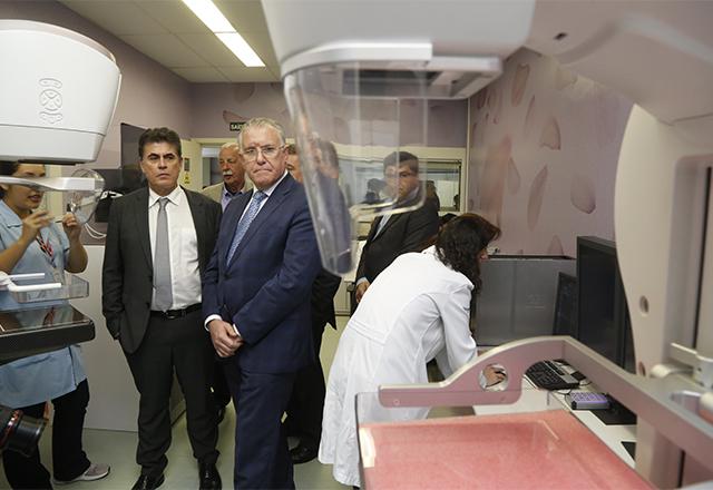 Presidente em exercício da Fiesp, Jose Ricardo Roriz, recebe o ministro do Desenvolvimento Social, Alberto Beltrame, para visita ao Senai e Sesi. Foto: Ayrton Vignola/Fiesp
