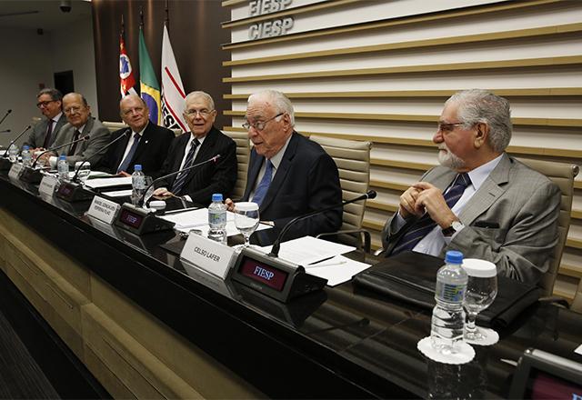 Reunião do Consea com a participação de Manoel Gonçalvez Ferreira Filha. Foto: Ayrton VIgnola/Fiesp