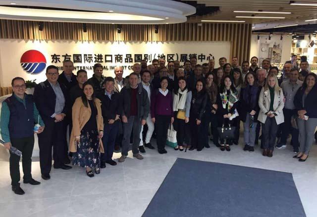 Integrantes da missão da Fiesp e do Ciesp à Ciie no Centro de Exposição 6+365. Foto: Mayara Baggio/Fiesp