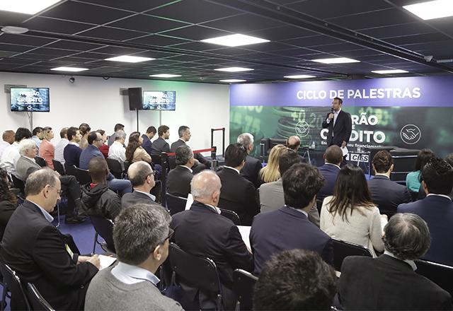 Sylvio Gomide em palestra no I Feirão de Crédito da Fiesp. Foto: Helcio Nagamine/Fiesp