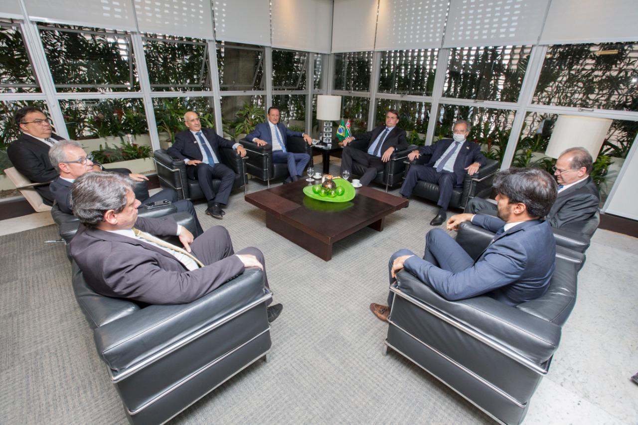 Paulo Skaf recebe presidente Jair Bolsonaro e ministros na Fiesp